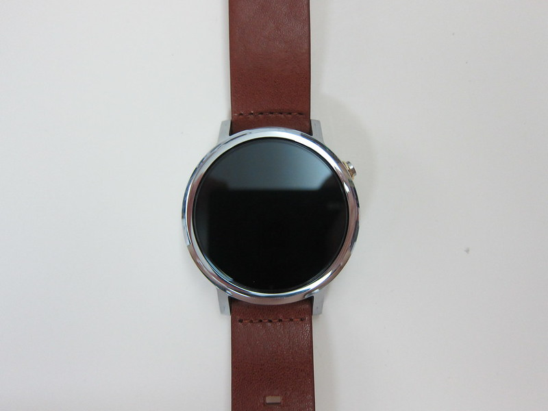 Moto 360 (2nd Gen) - Close-Up Front