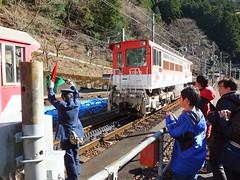 アプト式区間では専用機関車を増結