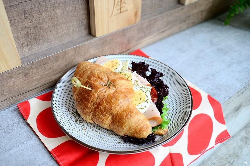小空間板橋早午餐咖啡廳不限時推薦小倉庫菜單時間新埔 (29)