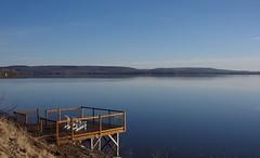 Le lac des Deux-Montagnes en avril... / Spring morning at the lake...