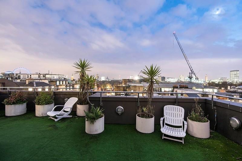 Вид на Лондон с террасы пентхауса