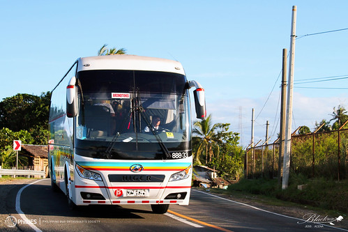 travel bus a80 tours society philippine cagsawa enthusiasts higer yuchai philbes utour yc6l33030 88833 klq6123k