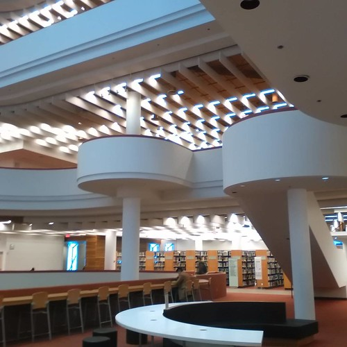 Curves of the Reference Library #toronto #library #torontoreferencelibrary #architecture