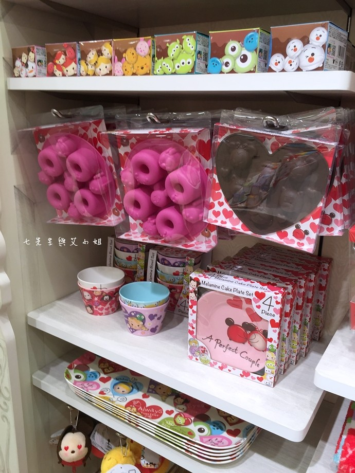 32 日本東京購物原宿白色迪士尼Disney Store