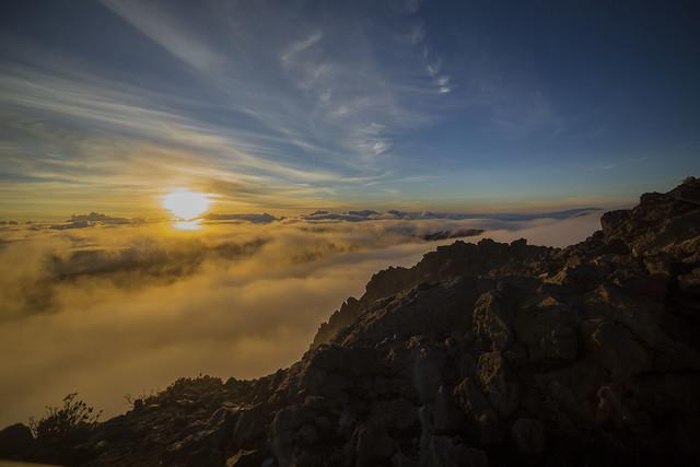 Haleakala-Volcano-Sunrise-Maui-Hawaii