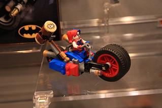 LEGO DC Comics 76053 Gotham City Cycle Chase 4