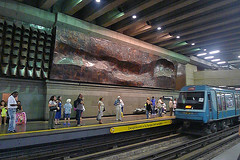 Santiago - Metro art 3