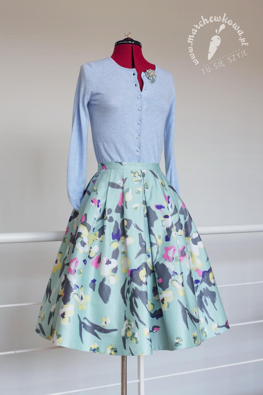szycie, sewing, krawiectwo, vintage, retro, 50s, skirt, spódnica, lata '50., przeróbka, H&M, refashion, Pfaff 360, tu się szyje, marchewkowa, blog, moda