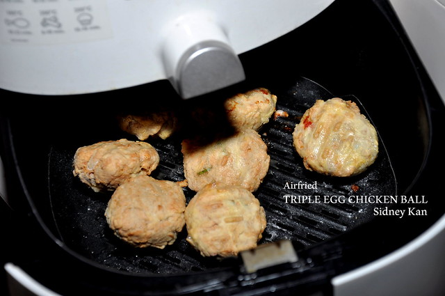 Triple Egg Chicken Ball with Philips Airfryer 4