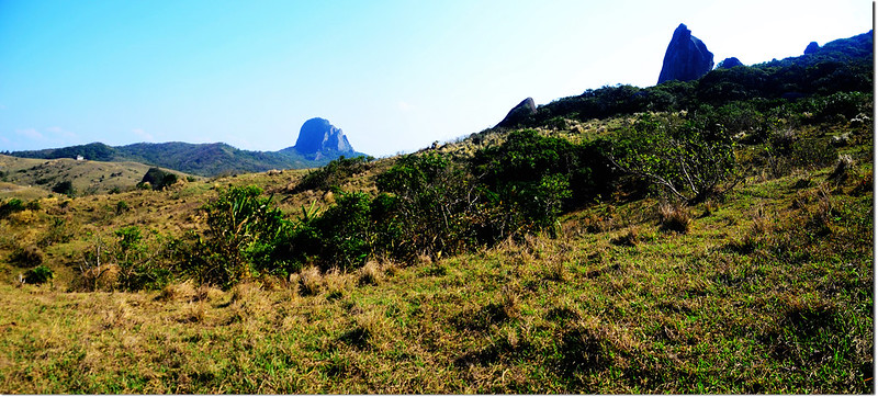 小尖石山北南眺大尖石山
