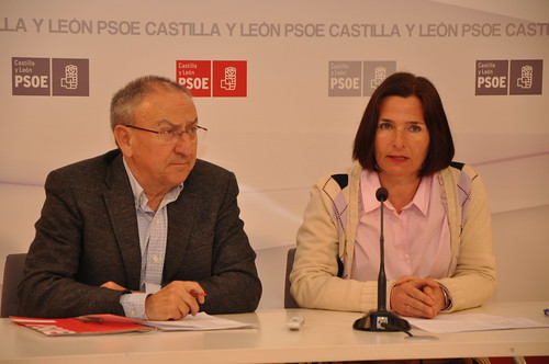 31/03/2016 El secretario de Educación del PSOECYL, Emilio Álvarez y la Diputada por Palencia, Mª Luz Martínez Seijo, presentan una iniciativa que se debatirá en el Congreso de los Diputados relacionada con la Escuela Rural.