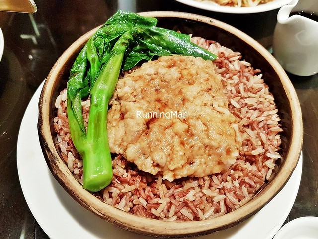 Earthen Bowl Steamed Red Rice With Hand-Chopped Minced Pork