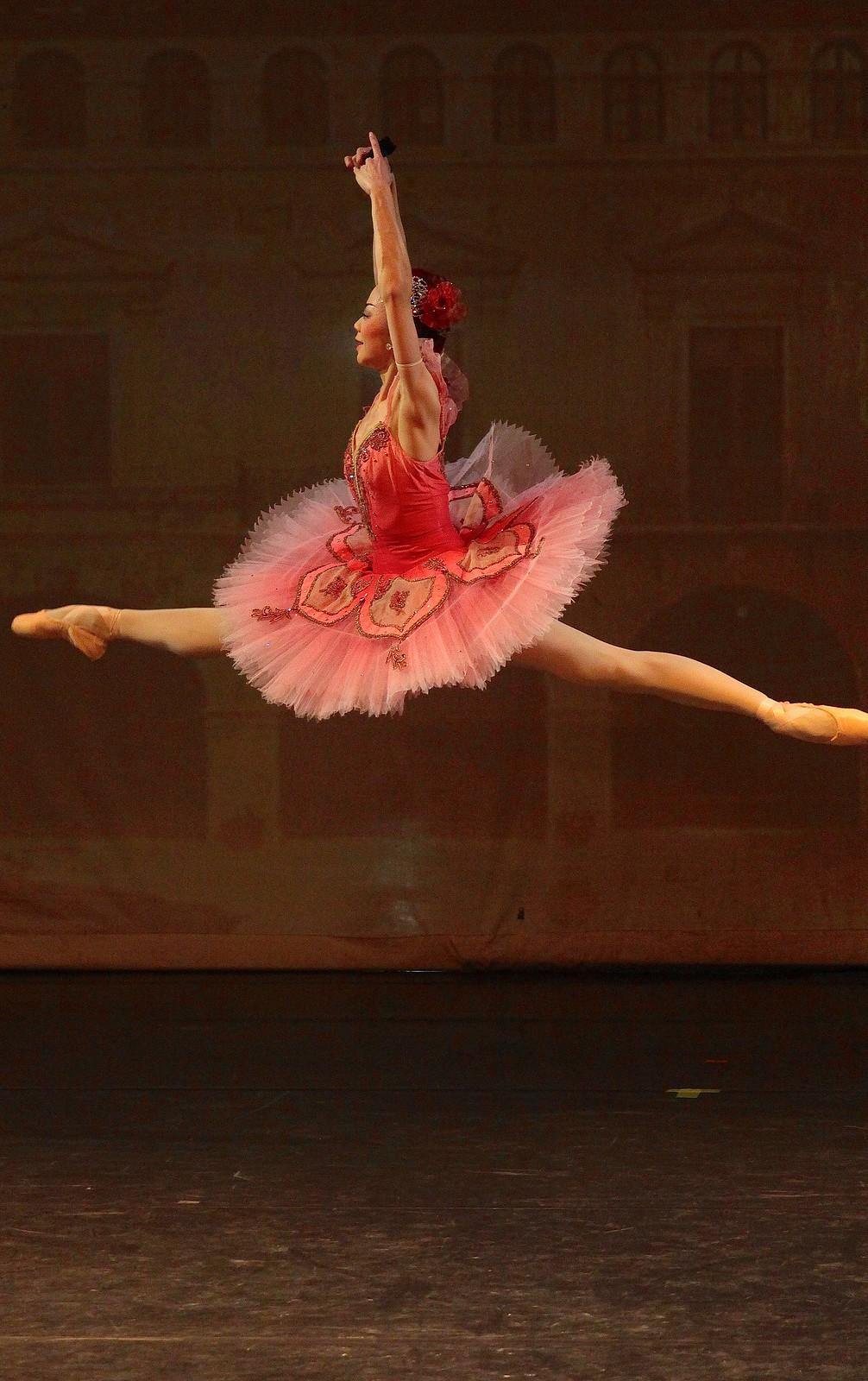 Balet_GKJ_jaws_00