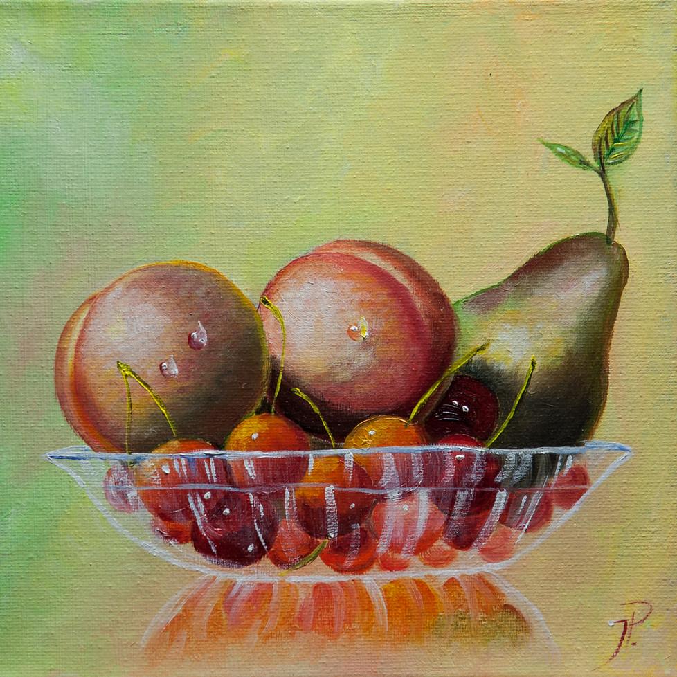Glasschale mit Früchten