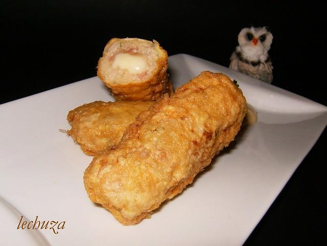 Rollitos de carne picada-rebozado huevo plato