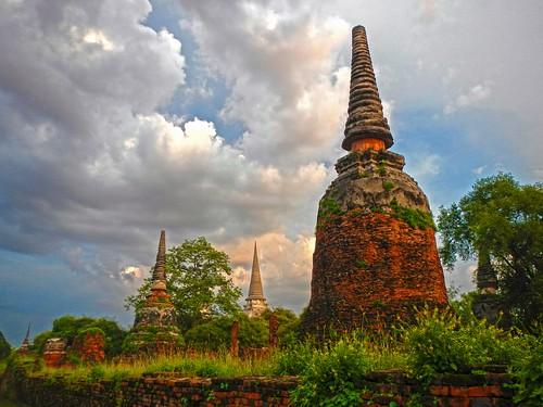 thailand temple evening abend thai dämmerung siam tempel ayutthaya historicalpark ประเทศไทย พระนครศรีอยุธยา เมืองไทย วัดพระศรีสรรเพชญ geschichtspark totallythailand