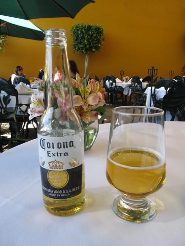 Mexico City: una Corona por favor. Première bière mexicaine.