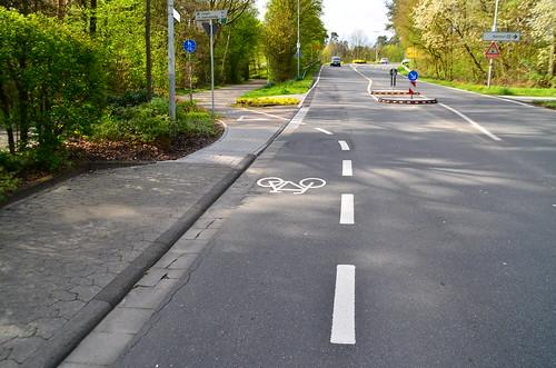 Radwegmarkierung Kurt-Schumacher-Straße