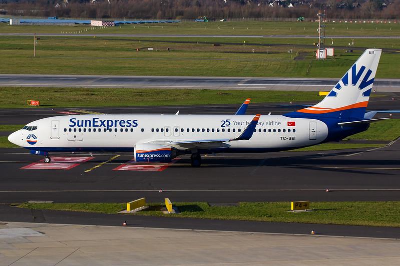 Sun Express - B738 - TC-SEI (1)