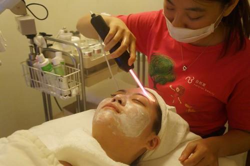 【轉貼】【 試保養 】Natural Beauty 自然美大墩店 細緻毛孔護理體驗 (36)