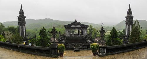 Le Tombeau de Khai Dinh: la Cour d'Honneur