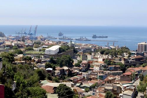 Los cerros y el puerto