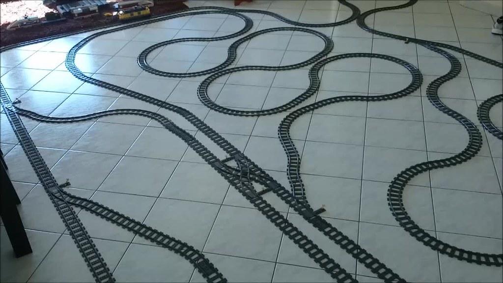 My LEGO Train Play Set 24913835203_c2d9e5a563_b