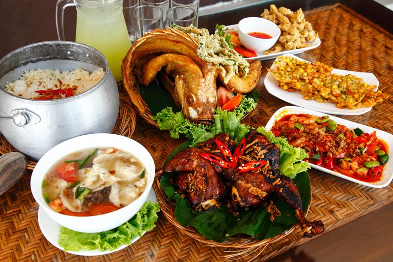Rumah Makan Cibiuk Jakarta Set