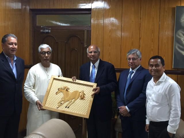 10.S. Ramadorai, Ranjit Barthakur, R. Srinivasa & Biswajit Sinha with Chief Minister of Tripura, Manik Sarkar