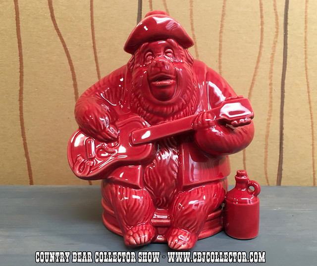 2016 Disney Big Al Decorative Figurine - Country Bear Jamboree Collector Show #034