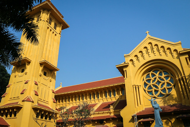Exterior of Cua Bac Church in Hanoi, Vietnam ハノイ、北門教会外観
