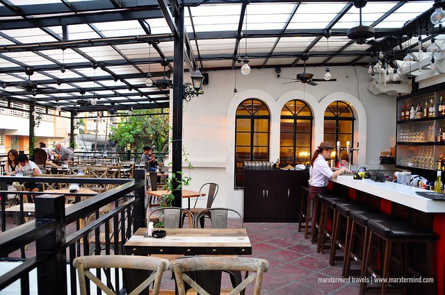 Tambayan Capsule Hostel & Bar Gastrobar