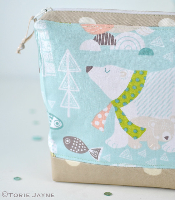 Polar bear print wash bag tutorial 2