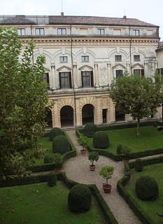 Bild av Palazzo Ducale. italy castle garden italia palace mantova palazzo castello lombardia palazzoducale mantua lombardy castellesangiorgio
