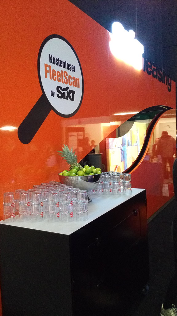 """#HummerCatering  #mobile #Cocktailbar #Barkeeper #Cocktail #Catering #Service #Köln #Messe #flotte #derbrachentreff #Messe #Messecatering #2016 http://goo.gl/oMOiIC • <a style=""""font-size:0.8em;"""" href=""""http://www.flickr.com/photos/69233503@N08/25577294552/"""" target=""""_blank"""">View on Flickr</a>"""