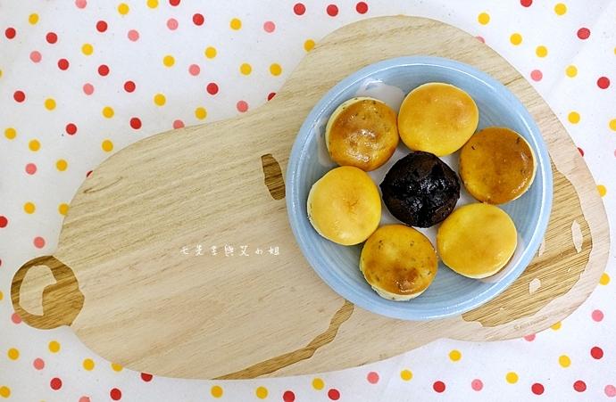 14 老胡賣點心 蜂蜜抹茶蛋糕捲 蜂蜜蛋糕捲 一口乳酪球 火腿乳酪球 一口巧克力