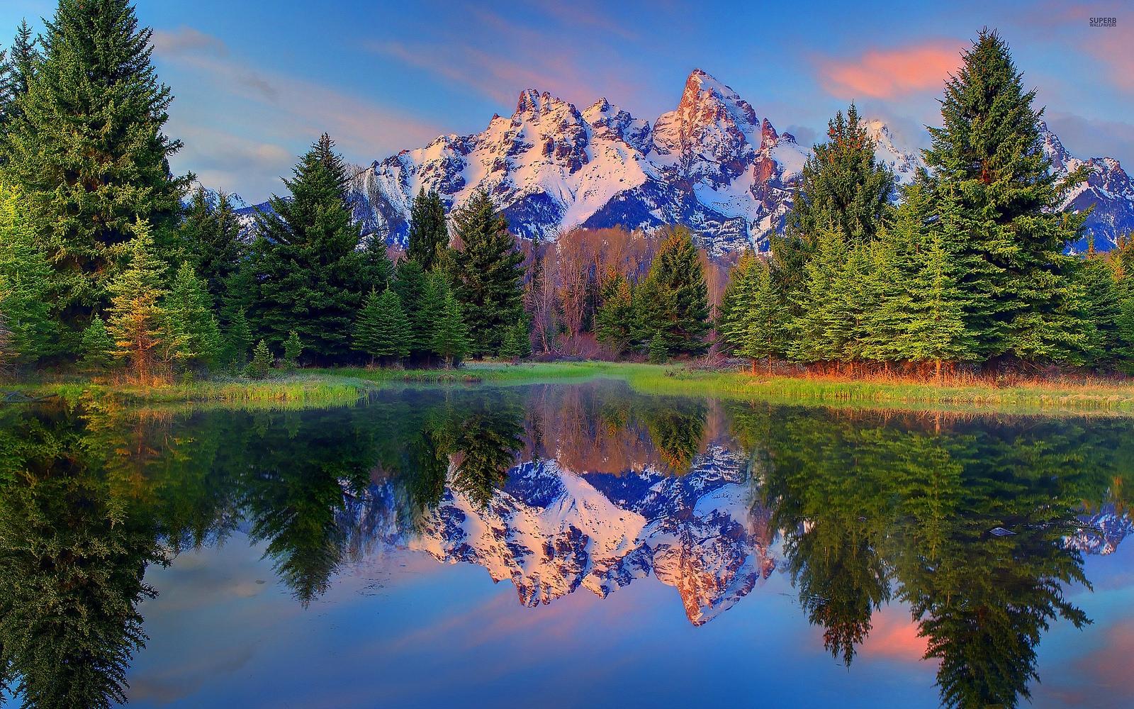 Imagen de un lago con las montañas de fondo - Imágenes gratis