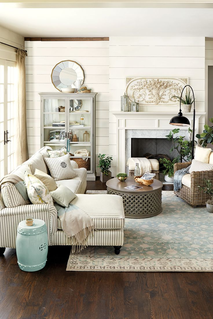 Benjamin Moore Simple White Paint Color | Neutral Home Decor Living Room Inspiration