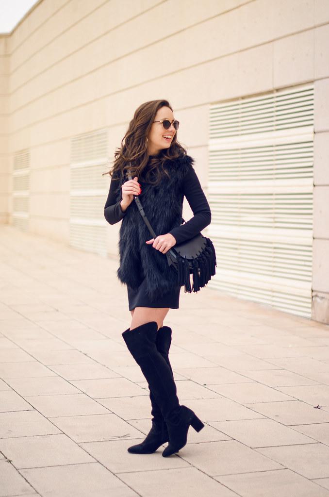 Look vestido de punto negro