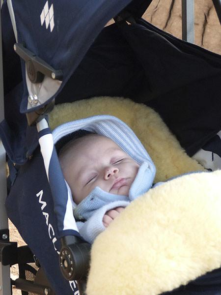 un bébé au pays des ocres