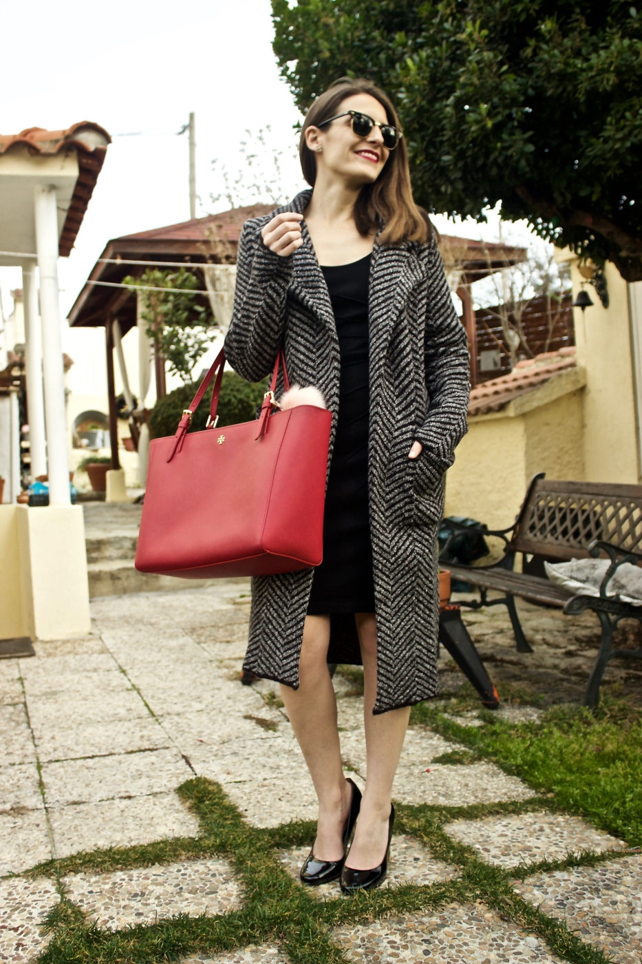 lara-vazquez-madlula-fashion-look-ootd-tory-burch