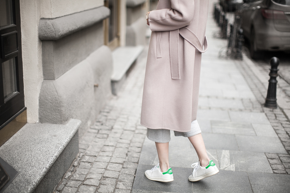 looks-pastel-coat-adidas-stan-smith-outfit