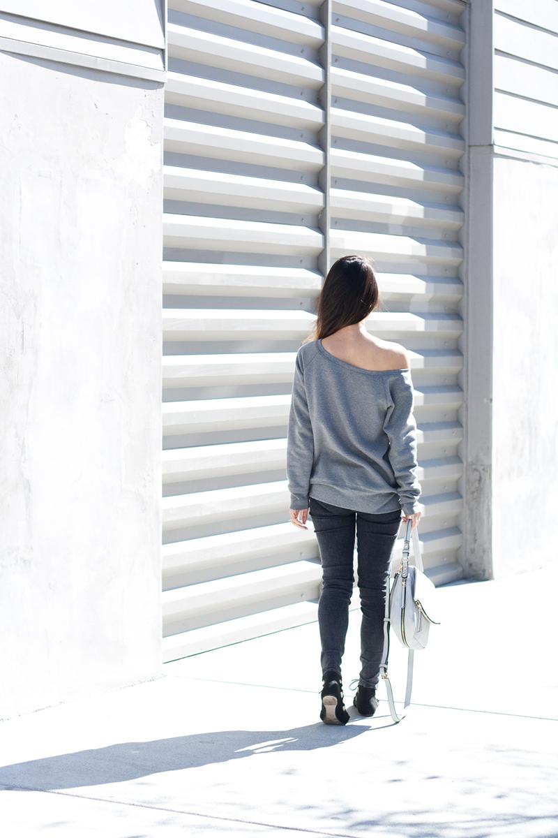 08gray-black-sweatshirt-denim-sf-style-fashion