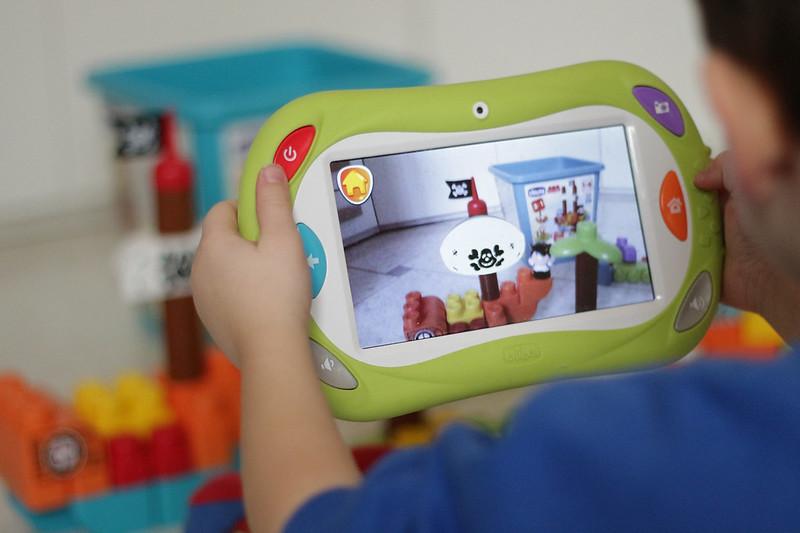 Bambini tecnologici chicco happy tab mammachevita for Happy tab chicco microfono