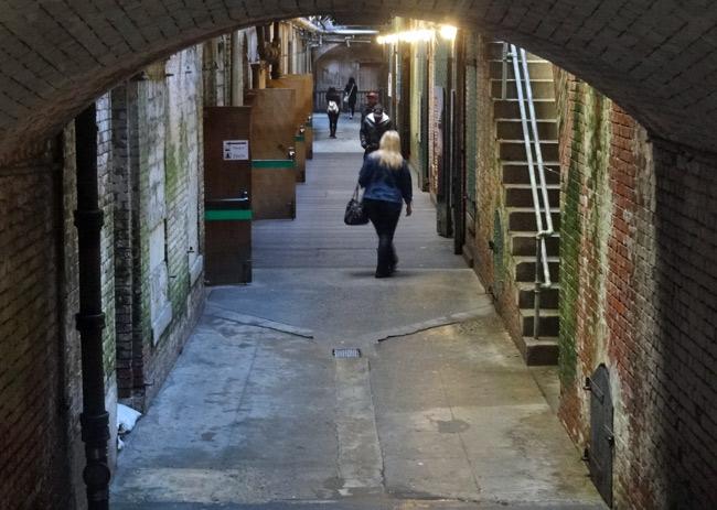 alcatraz-hallway