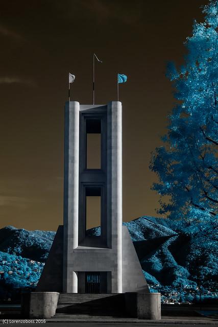 Monumento dei caduti - Como infrared photo