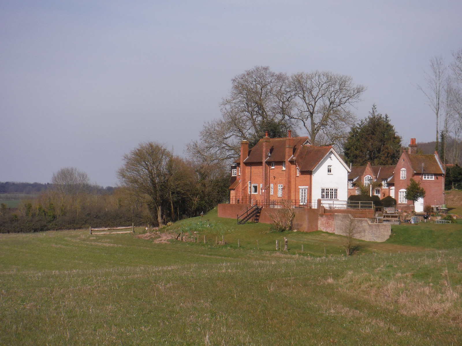 Hawkridge House SWC Walk 260 Aldermaston to Woolhampton [Midgham Station] (via Frilsham)