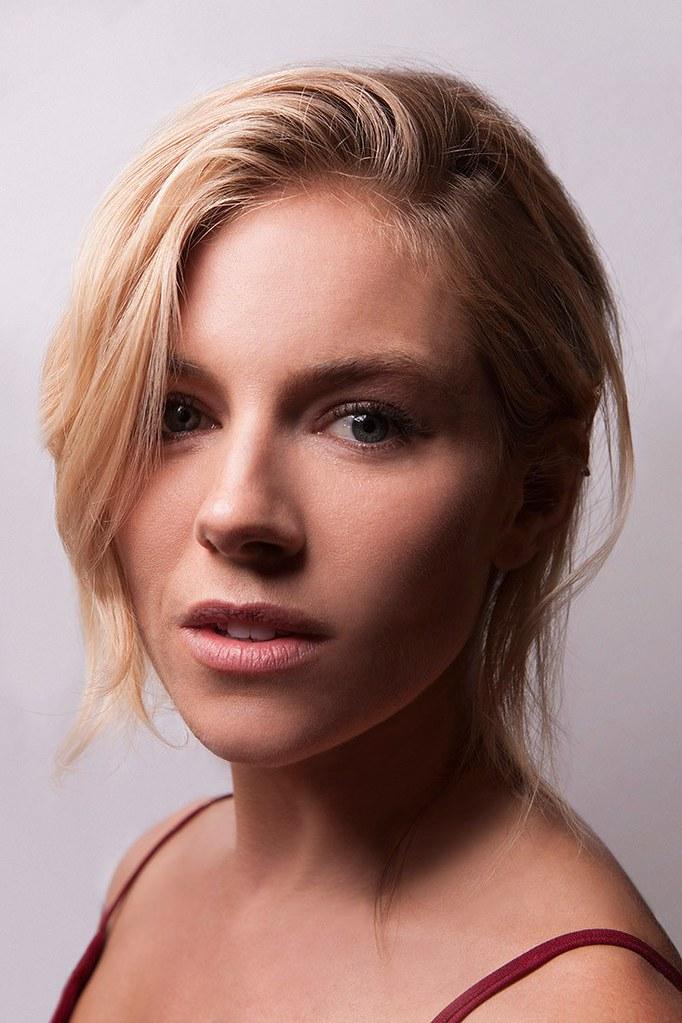 Сиенна Миллер — Фотосессия для «Высотка» на «Tribeca» 2016 – 1