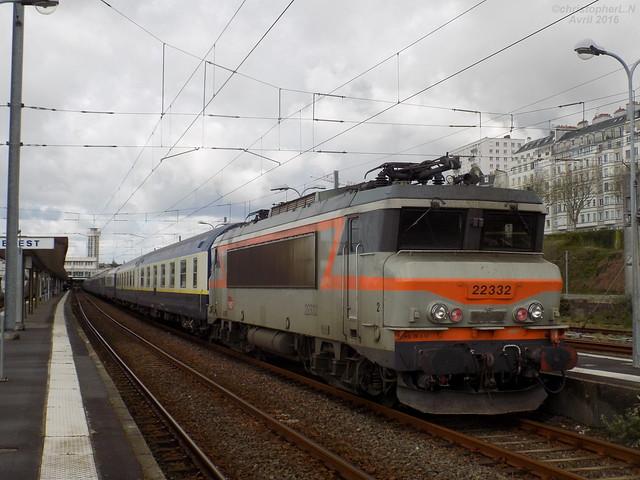 BB 22332 Béton + Train de l'Euro 2016