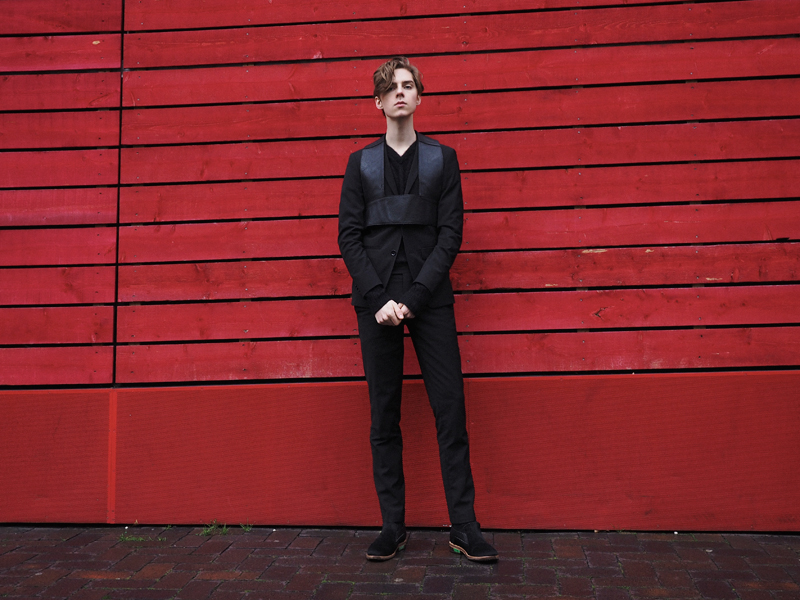 mikkoputtonen_fashionblogger_london_LFW_outfit_mikkoputtonenXgtie_turo_finsklondon_FrennCompany2_web